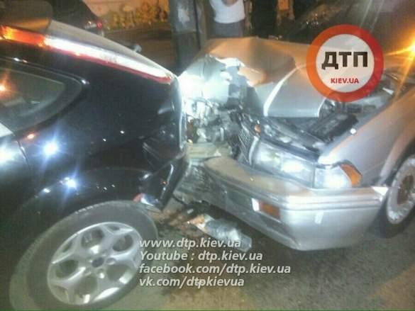 ДТП в Киеве. Пьяный водитель разбил 5 автомобилей
