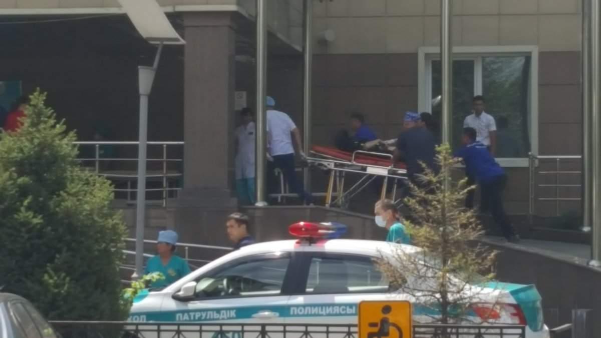 В Алма-Ате скончались полицейские, раненные в ходе стрельбы
