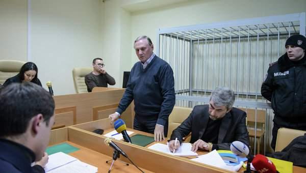 Ефремова доставили на заседание в Печерский суд Киева