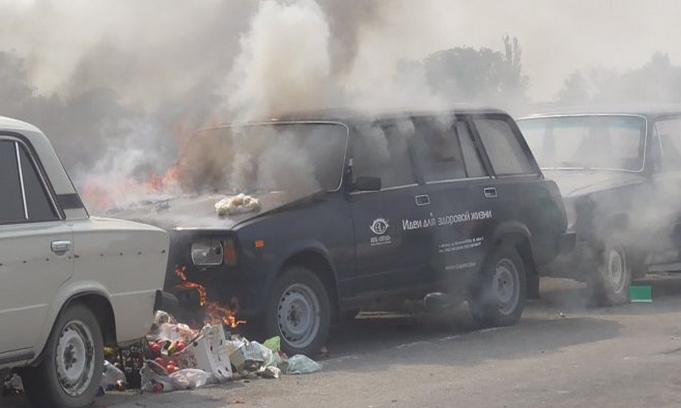 На админгранице с Крымом из-за пожара сгорели два автомобиля