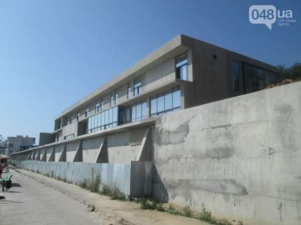 Из-за оползня в Одессе покосились четыре здания