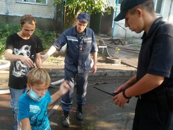 В Деснянском районе Киева в девятиэтажном доме возник пожар