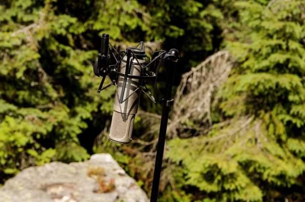 Руслана высоко в горах  обустроила студию звукозаписи