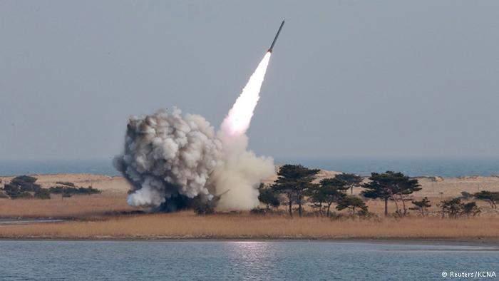 КНДР осуществила очередной запуск баллистической ракеты