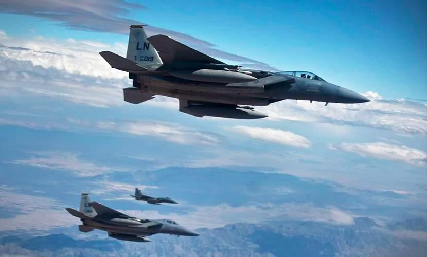 """ВВС Британии нанесли удары по позициям """"ИГ"""" в Ираке"""