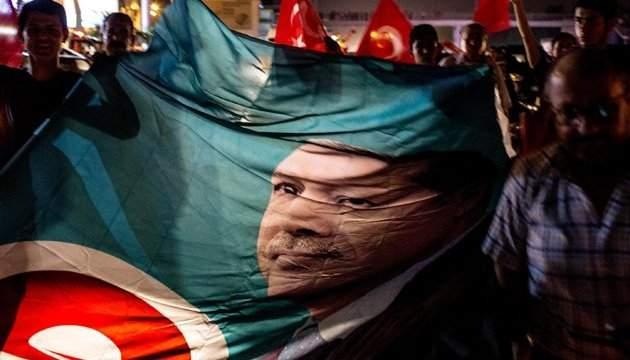 На митинга в Анталье за Эрдогана произошёл взрыв