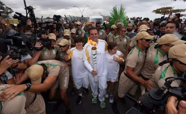В Рио прибыл олимпийский факел
