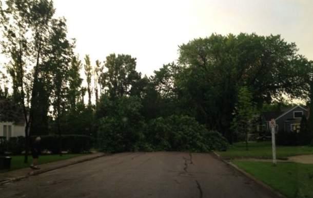 В Канаде буйствовали два торнадо