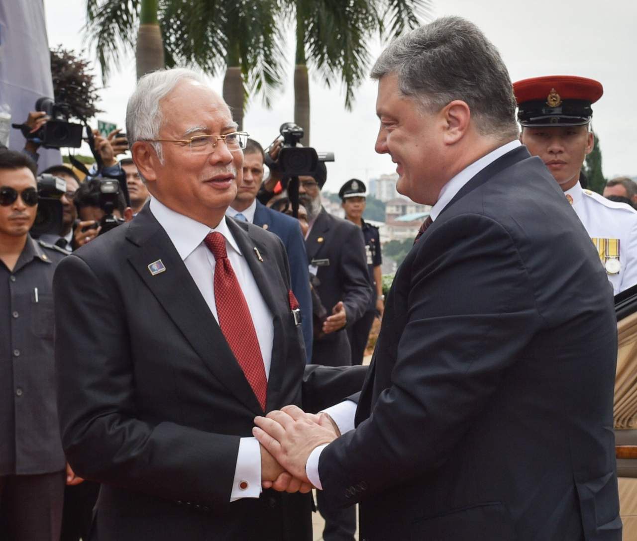 Появились фото Петра Порошенко в Малайзии
