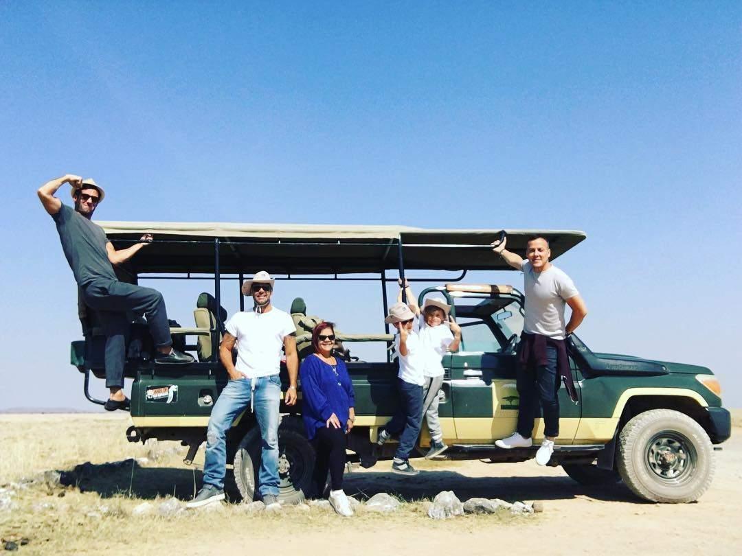 Фото с отдыха Рики Мартина с бойфрендом и сыновьями в Кении