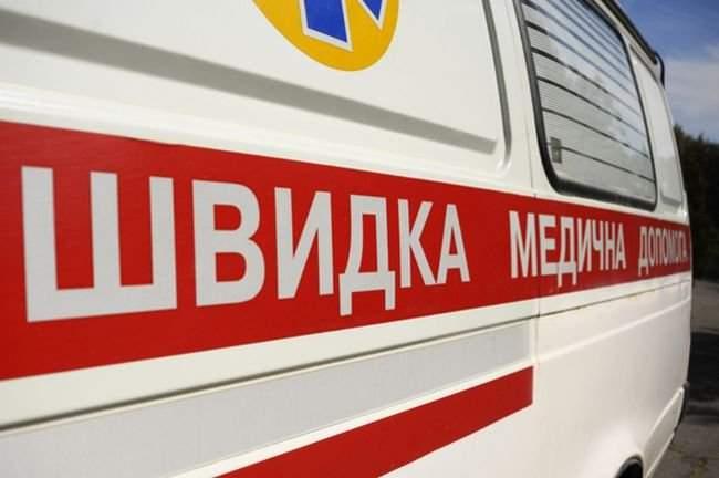 В Черновцах девушка сорвалась с высотки и выжила