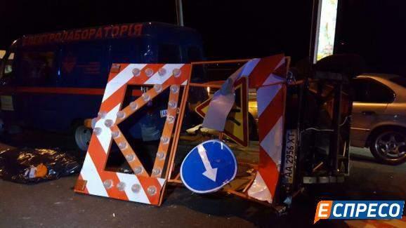 В столице водитель грузовика сбил насмерть дорожного работника