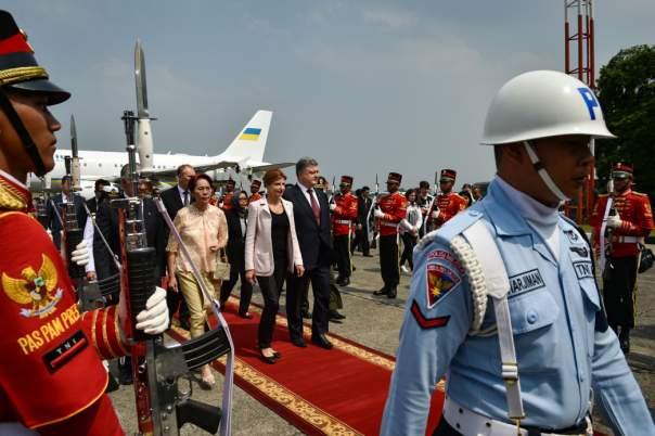 Порошенко прибыл в Индонезию с официальным визитом