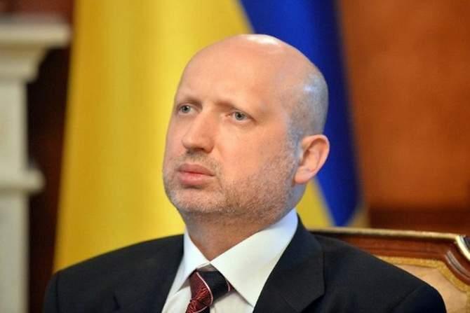 Турчинов призвал не бояться введения военного положения