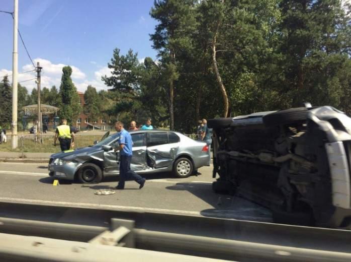 Из-за ДТП на Столичном шоссе образовалась масштабная пробка