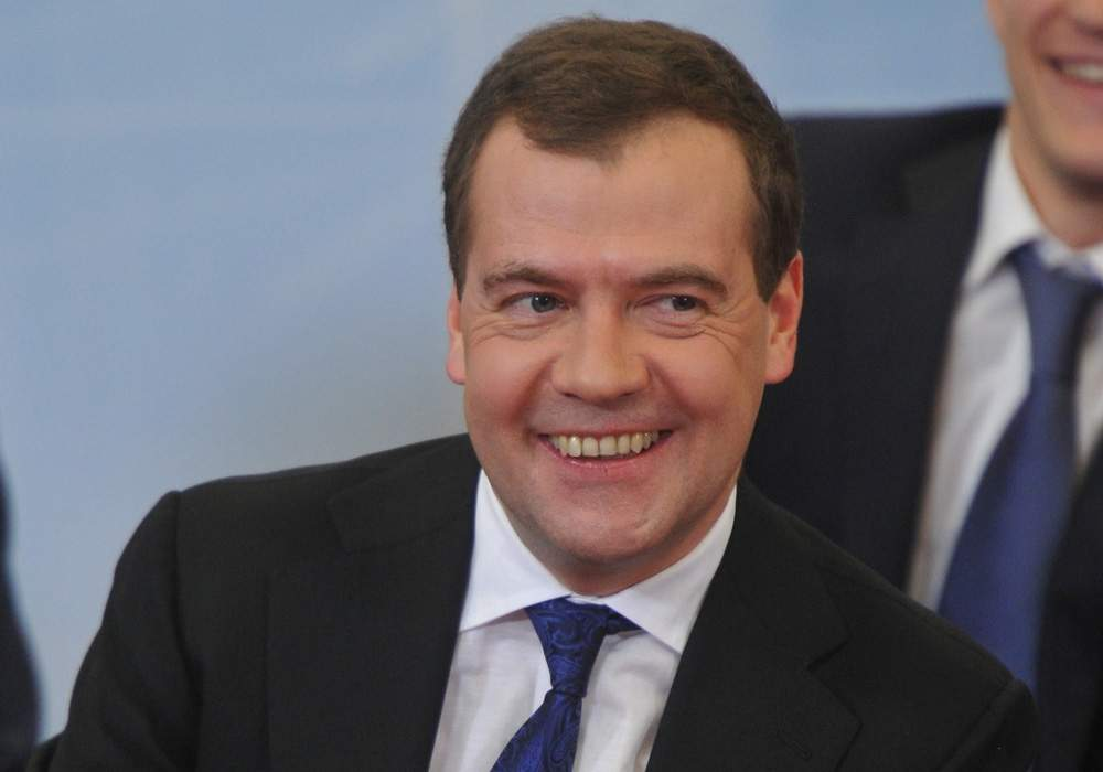 За отставку Медведева в РФ подписались более 200 тыс. человек