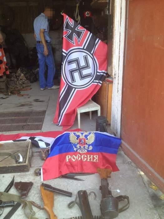 На Херсонщине у гражданина РФ изъяли оружие и свастику