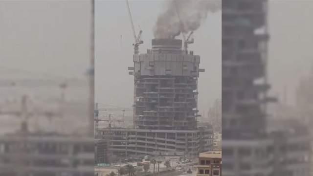 В Дубае пожар уничтожил роскошный жилой комплекс
