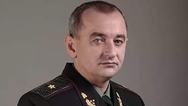 Украина привлекла более сотни