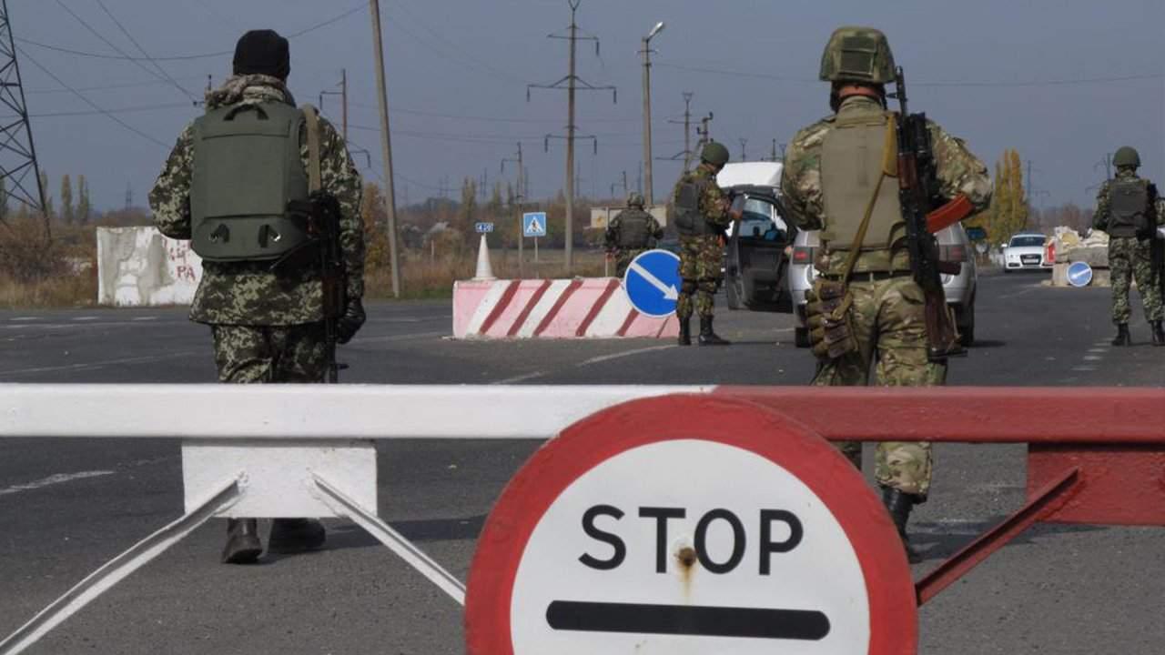 В Крыму начали появляться блокпосты - очевидцы