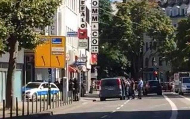 Спецназ штурмовал кафе в Германии