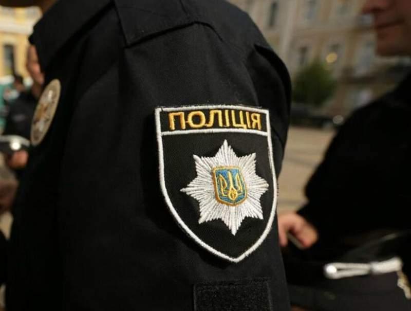В Одессе пьяный полицейский-велосипедист ограбил девушку