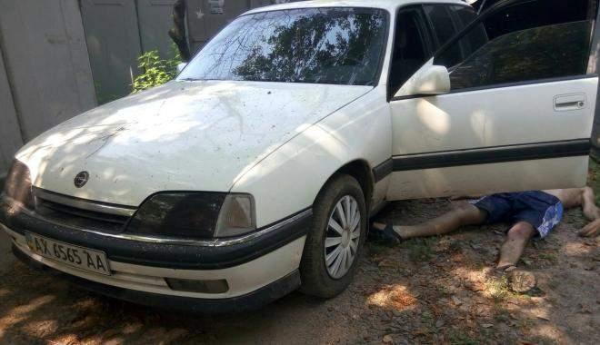 Возле гаражного комплекса в Харькове был найден труп мужчины