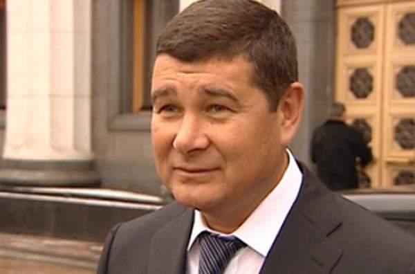 Счета Онищенко в латвийских банках арестованы по решению суда