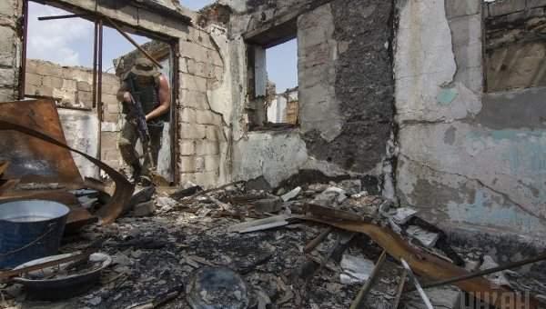 Жители около 500 домов на западе Донецка остались без света из-за обстрелов