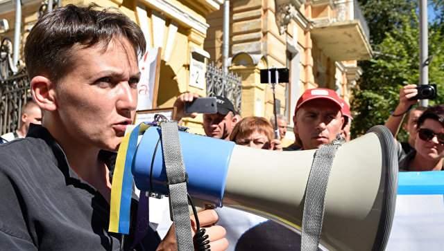 Надежда Савченко не собирается уходить с Банковой