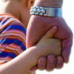 Верховный суд предложил лишать прав водящих детей в секты родителей
