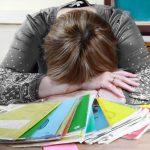Учительница из Читы лишилась работы за мат в школьном чате