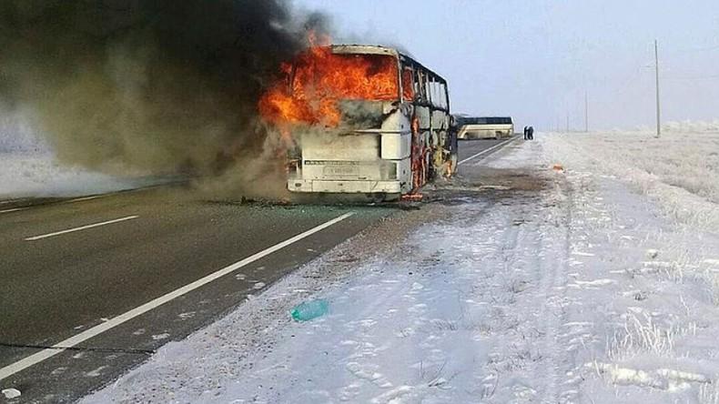Полиция Казахстана задержала трех водителей сгоревшего  автобуса