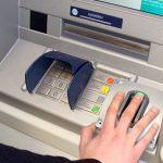 Крымчане смогут получать услуги Сбербанка и ВТБ