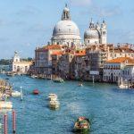 Власти Венеции запретят туристам сидеть на ступеньках достопримечательностей