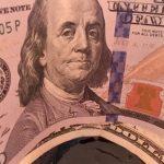 Рубль попытается укрепиться по отношению к доллару и евро