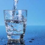 Ученые рассказали о вреде употребления большого количества воды