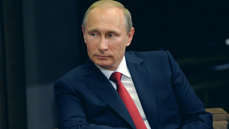 Путин рассказал, почему не говорит с Порошенко по телефону