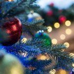 Большинство россиян убирают новогоднюю елку через неделю после праздника