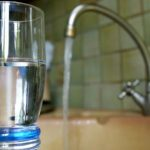 Почти половина россиян пьёт водопроводную воду