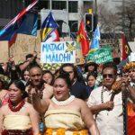 Вдохновлённые Гретой Тунберг протестуют в Новой Зеландии