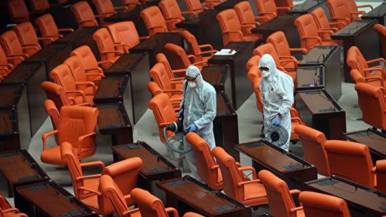 Зрителей в театрах станут рассаживать в шахматном порядке