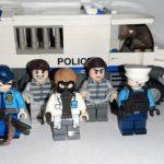 Lego выразила протест, отказавшись от рекламы игрушечных полицейских