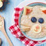 Диетологи назвали нежелательные для школьного завтрака продукты