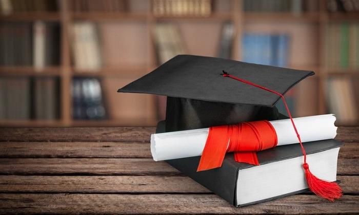 Помощь в написании диплома: на что обратить внимание и к кому обратиться?